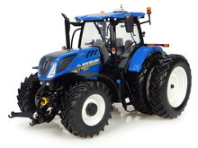 Universal Hobbies Traktor New Holland T7.225 1:32
